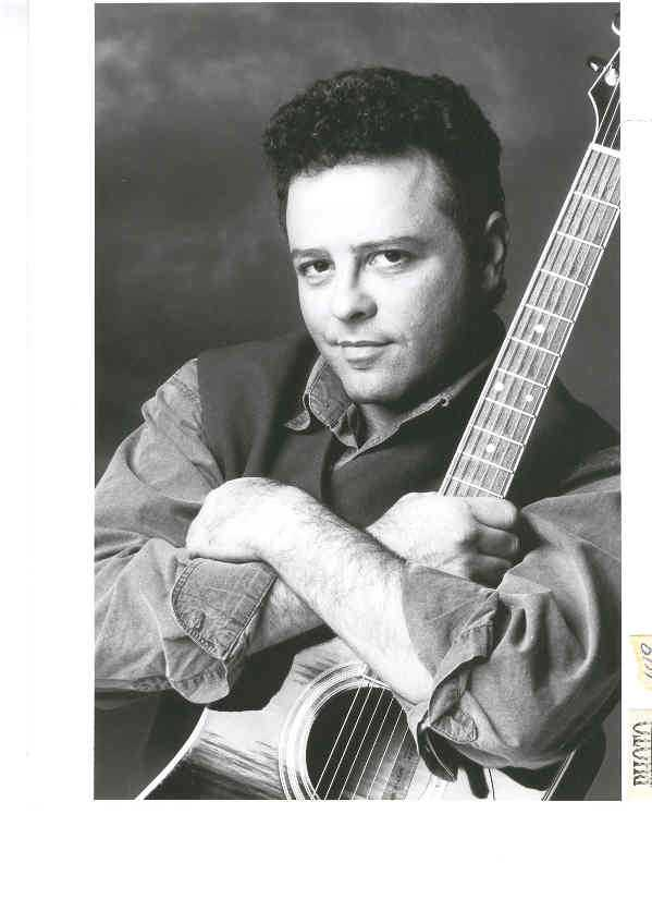manuel-tadros-chanteur-guitariste-1993